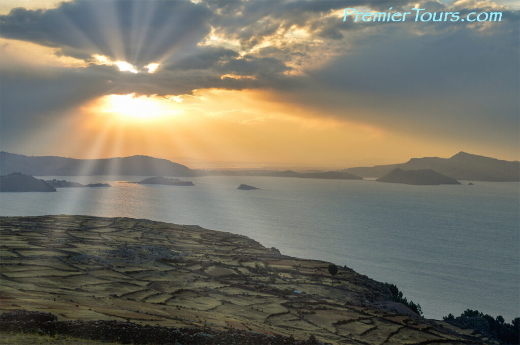 4 Great Destinations in Peru - Lake Titicaca